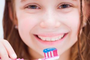 ¿Eliminar el sarro en cinco minutos y sin ir al dentista? ¡No te lo creas!