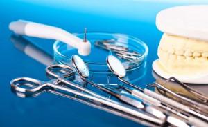 Implantología oral (III): ¿qué son los implantes dentales de carga inmediata?