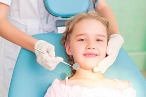¿Cuándo realizar la primera visita de odontopediatría?