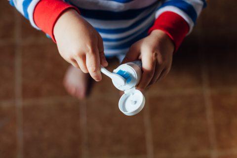 consejos uso de pasta de dientes niños