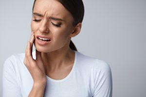 Bruxismo: ¿sabes qué consecuencias tiene para tu boca?