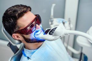 ¿Blanqueamiento dental o pasta de dientes blanqueante?